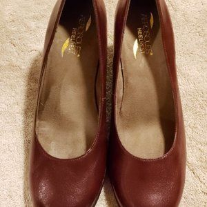 ✔✔HP-10/4✔✔Aerosoles Burgundy Heeled Shoes